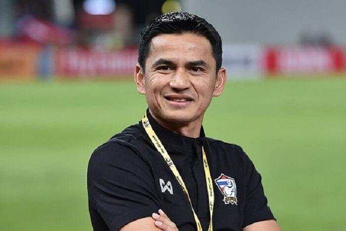 Ông Kiatisak hiện nay đang giữ cương vị huấn luyện viên của đội bóng đá Hoàng Anh Gia Lai