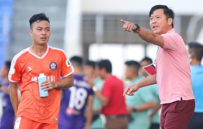 Nhiều thông tin cho rằng HLV Lê Huỳnh Đức chia tay SHB Đà Nẵng do bất hòa với cầu thủ