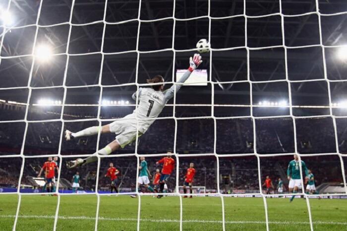 Thủ môn là ị trí thi đấu cuối cùng trên sân của mỗi đội bóng